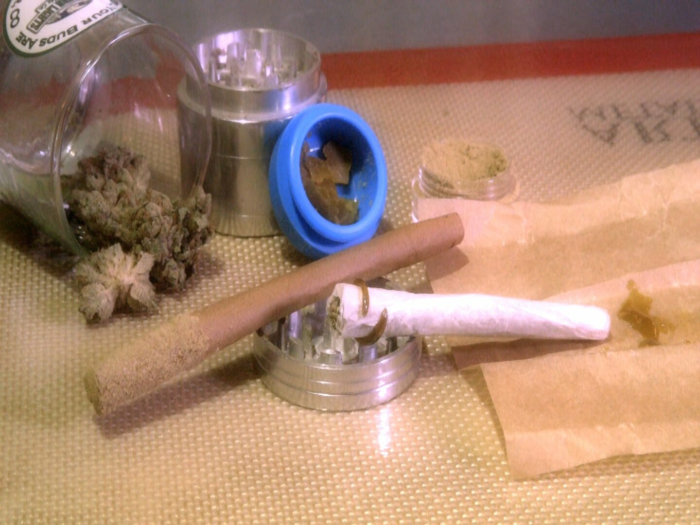 710 Tips & Tricks #1: How to Twax cannabis concentrates & flowers bowls, blunts & joints